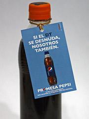 pepsi-desnuda - Si Maradona se desnuda, nosotros tambi�n: Pepsi