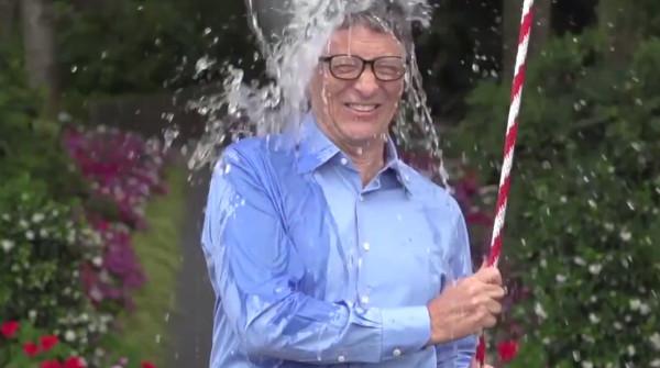 El Ice Bucket Challenge en Facebook